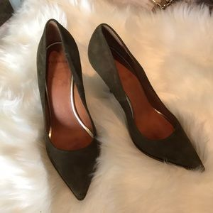 Givenchy Suede Army Green Pumps 37.5 Used